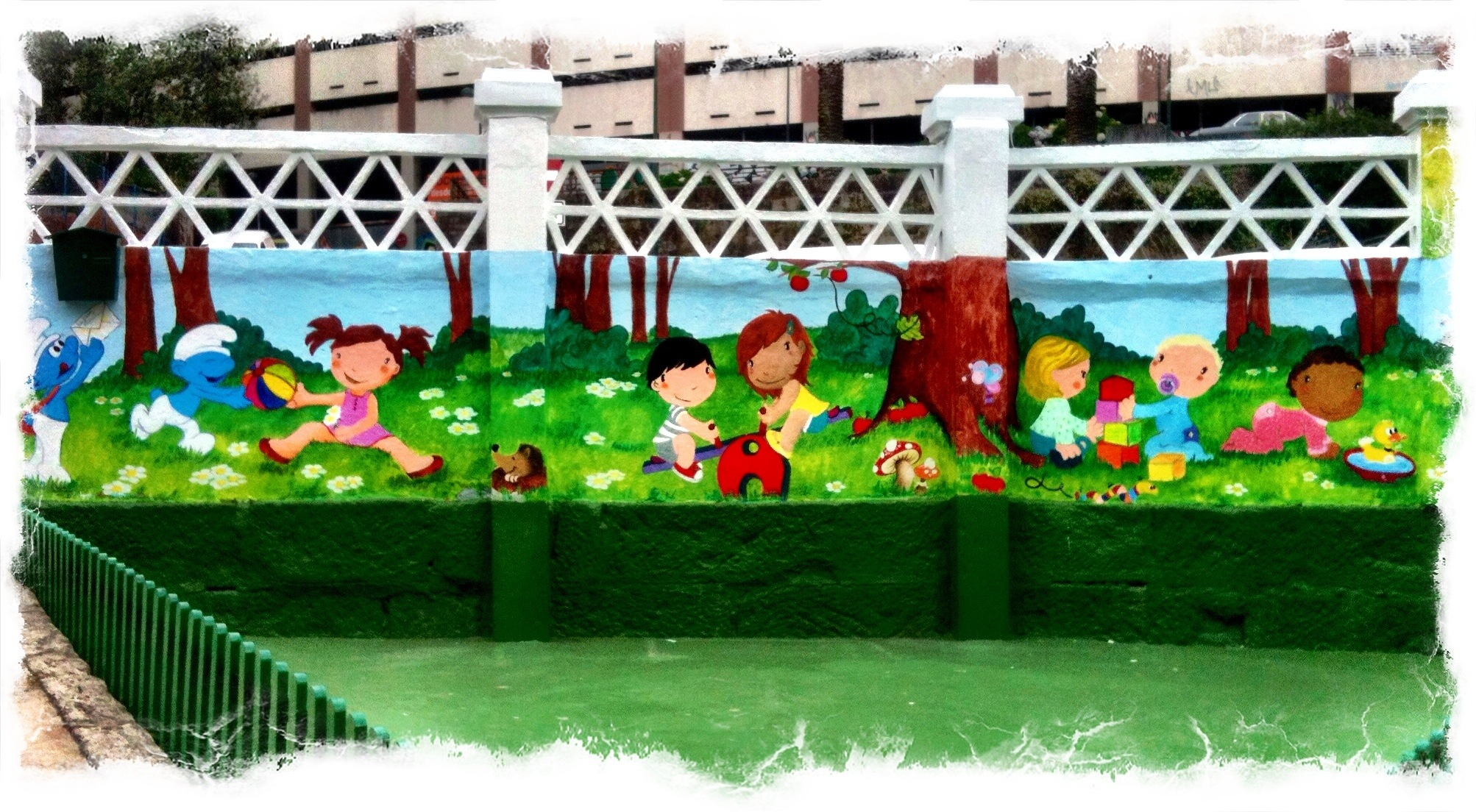 Pintura mural Escuela infantil pitufos, vigo, galicia, Begoña pérez-Herrera Moreno, bgophycolorincolorado.jpg