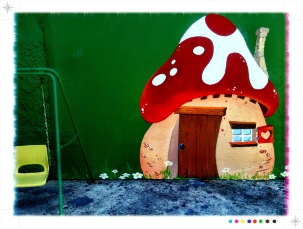 pintura mural escuela infantil Pitufos Vigo, Galicia, bgophycolorincolorado, begoña pérez-herrera moreno